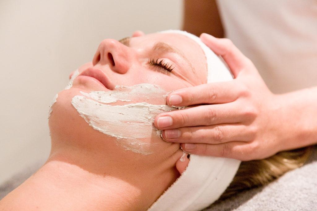 ontspannend massage gezicht zitten in Reimerswaal